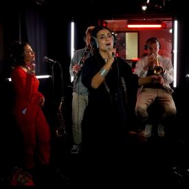 Ladaniva en live dans «Chambre noire»