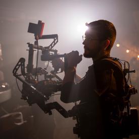Cameraman-at-work-on-movie-set_GettyimagesWestend61